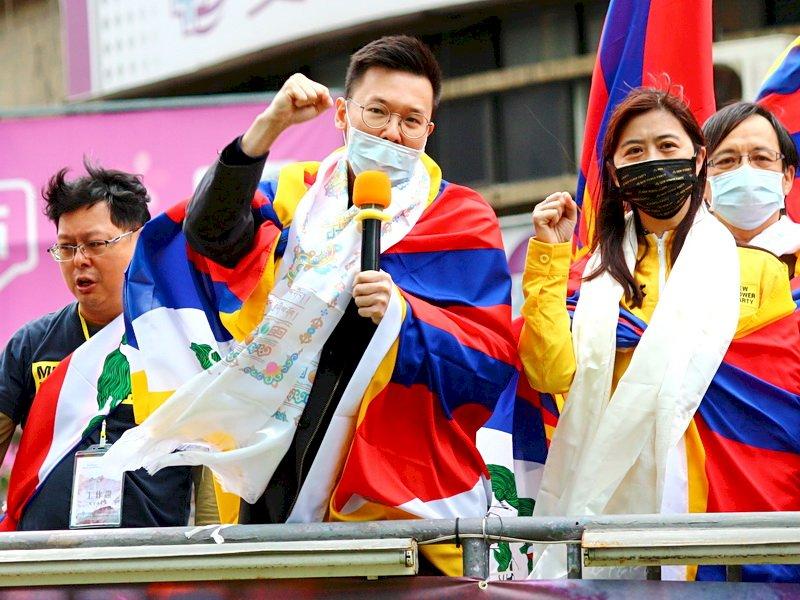 力挺藏人 林飛帆:堅持民主自由一起打拚