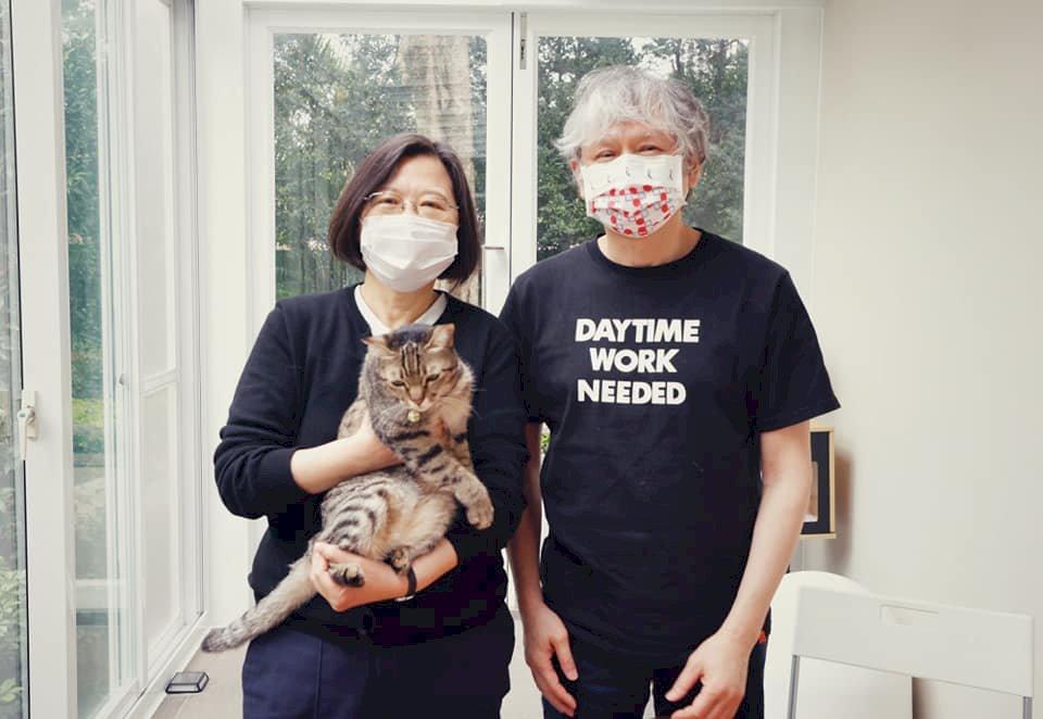 小英總統與奈良美智早餐會   大聊貓話題