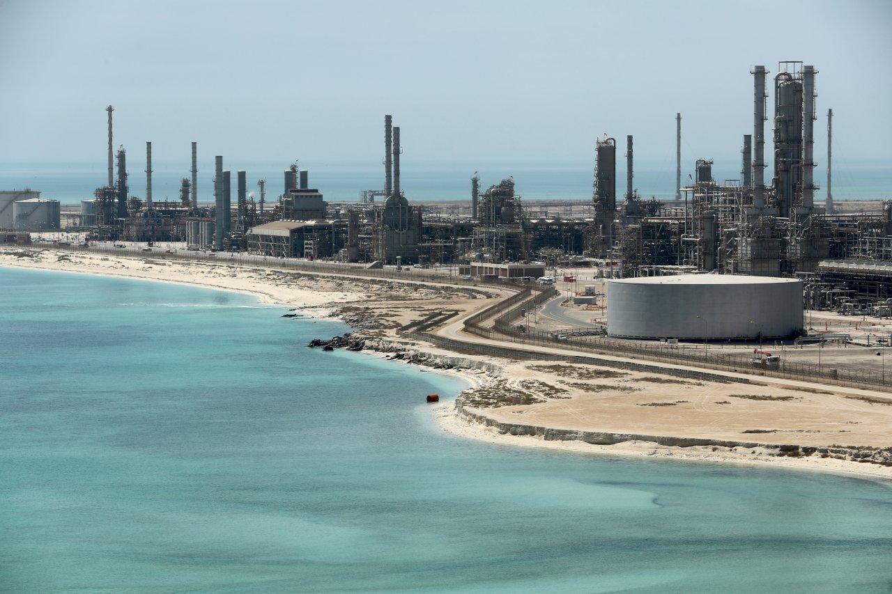 沙國石油重鎮遭無人機、飛彈攻擊  葉門叛軍坦承犯案