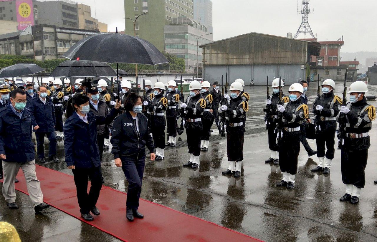 總統視導131艦隊 肯定國艦國造成效 盼加強聯合作戰能量