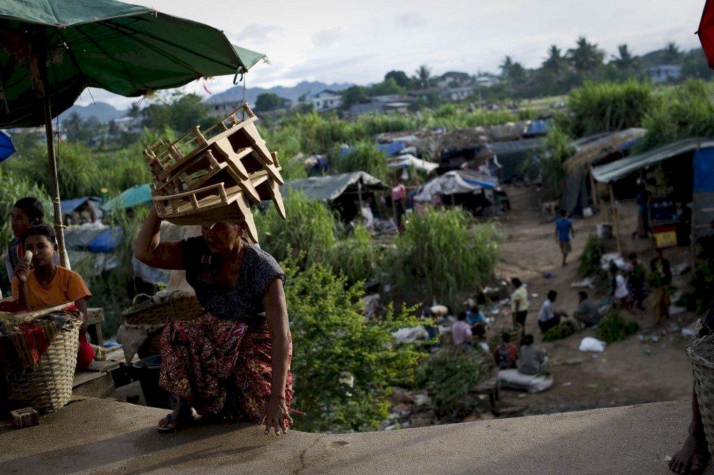 緬甸千人逃往邊境 泰國為收容難民做好準備