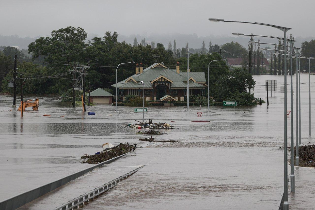 澳洲東南部泡水 雨彈來襲災情遠遠尚未結束