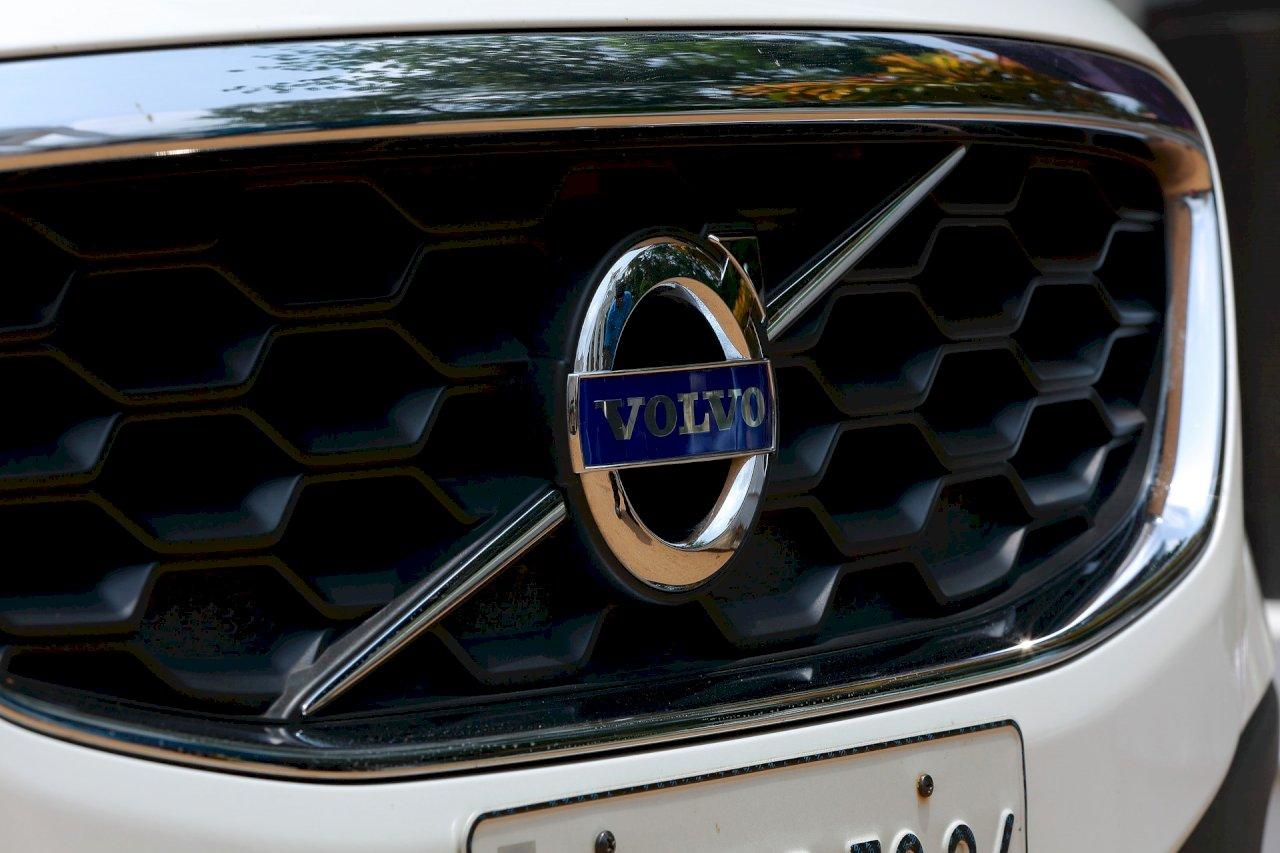 全球半導體晶片荒 Volvo宣布暫不生產卡車