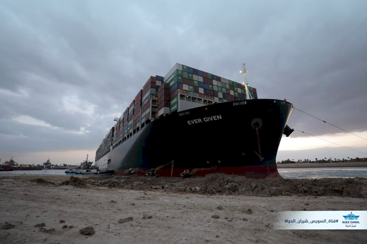 SCA:蘇伊士運河堵塞落幕 所有受困貨輪全數通過