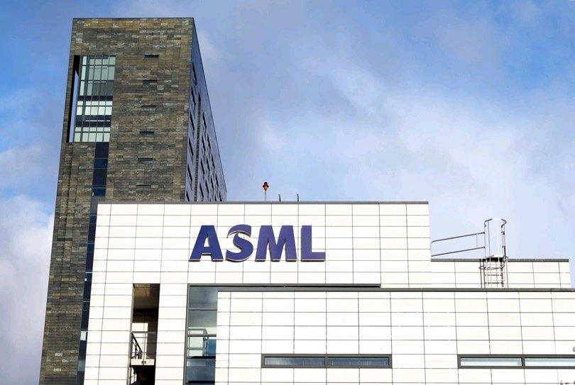 卡住中國半導體業取得關鍵設備的ASML:摩爾定律還會持續 10 年甚至更久