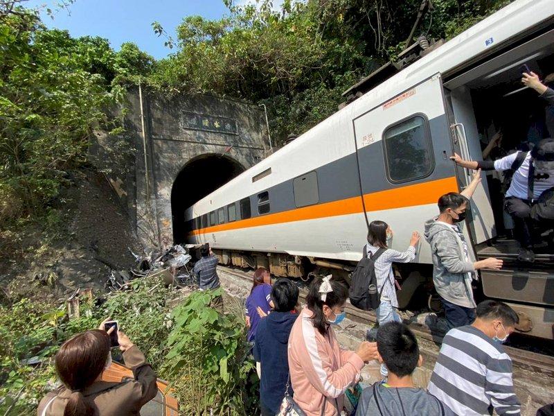 太魯閣號出軌/  台鐵成立一級應變小組 運安處出動調查