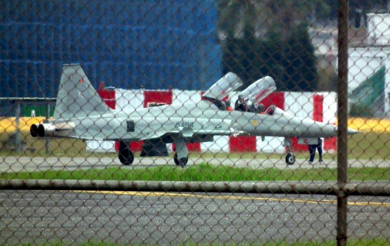 天安特檢結束 台東志航基地F-5F雙座機復飛