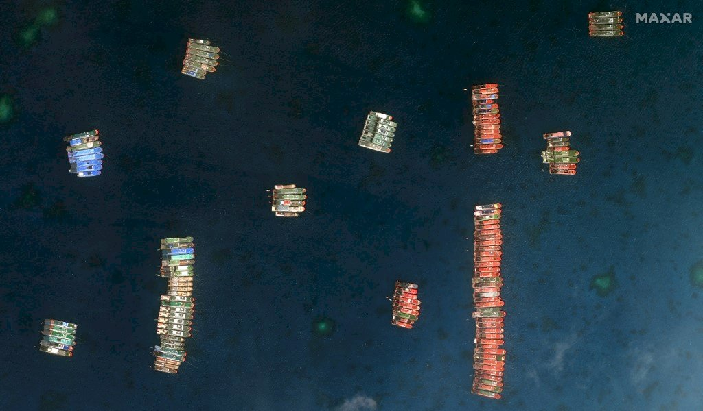 中國船隻集結南海爭議島礁 菲律賓召喚中國大使抗議