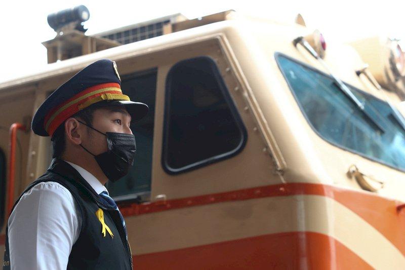 緊急通報專線被打爆 台鐵呼籲勿干擾危機處理