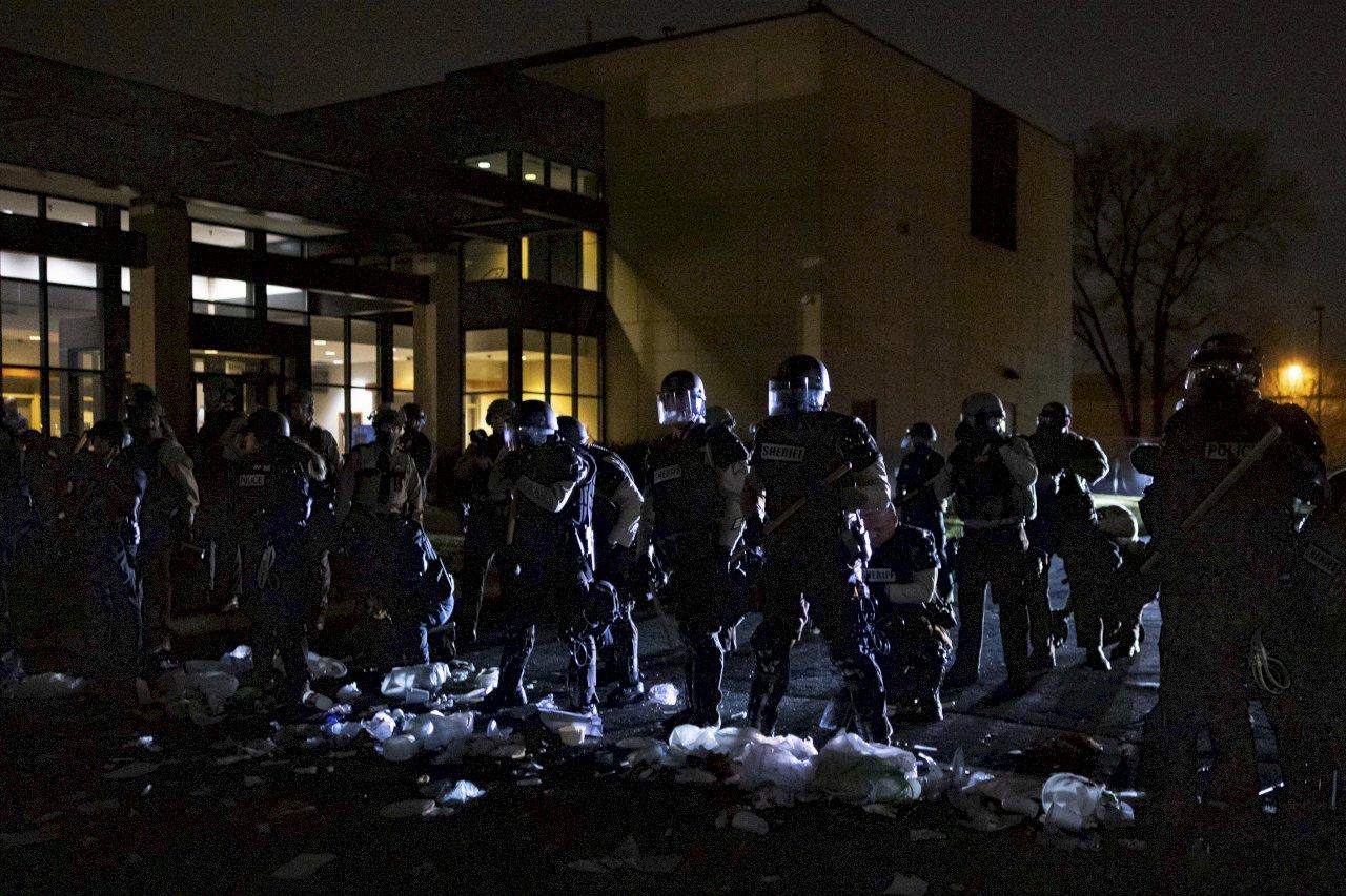 佛洛伊德審判正進行 美明市又一非裔男子遭警方槍殺