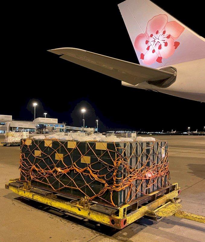大家一起去做工  華航首載活體蜜蜂飛加拿大助授粉