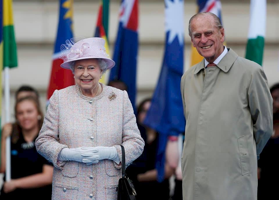 相伴73年送他最後一程 英女王今將送別菲立普親王