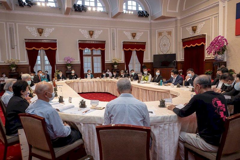 接見環團代表 總統談藻礁議題 盼相互調整尋求最大共識