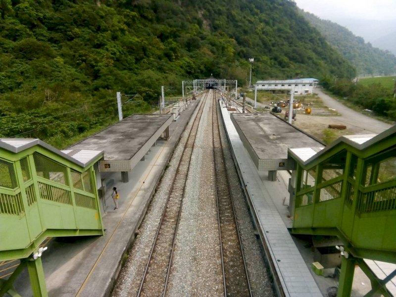 太魯閣號又事故 工人跨越武塔站月台遭撞送醫