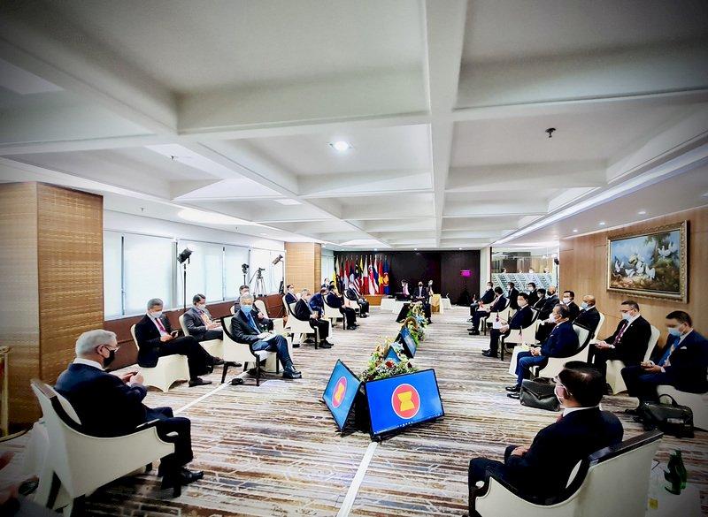 拒繳電費 緬甸民主人士號召新不合作運動