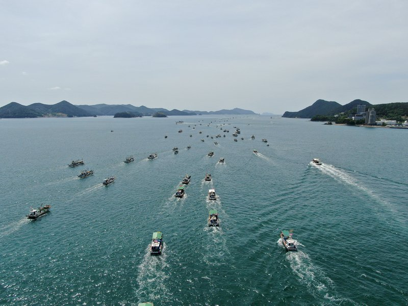 抗議日本核廢水將排入海 350艘韓漁船集結示威