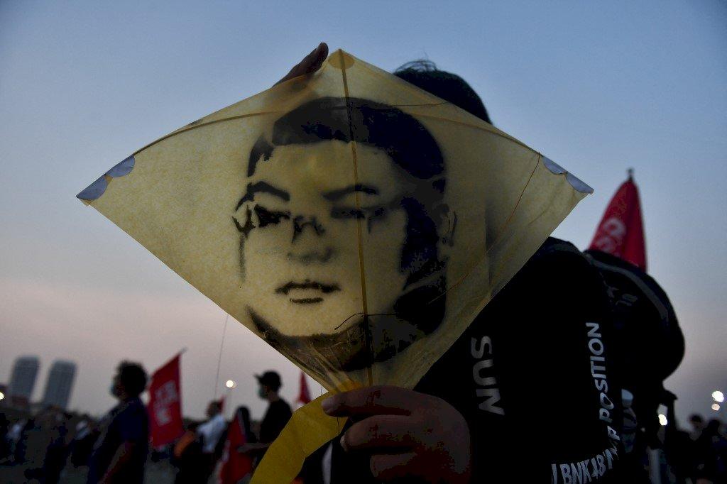 泰國學運領袖絕食46天 被轉送醫院治療