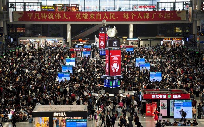 中國五一假期首日旅客數破5000萬  年增111.5%