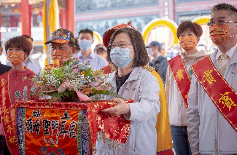 蔡總統台南聖母廟扶請媽祖神轎 祈度過水情難關
