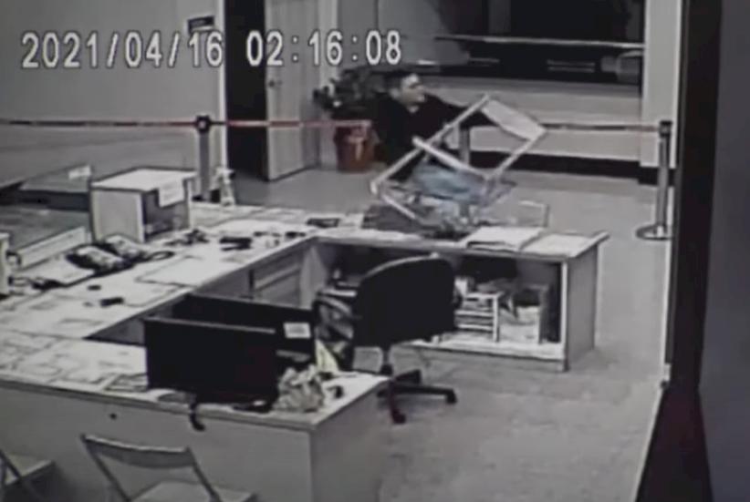 黑衣人闖中崙所案 北市警公布關鍵96秒影片
