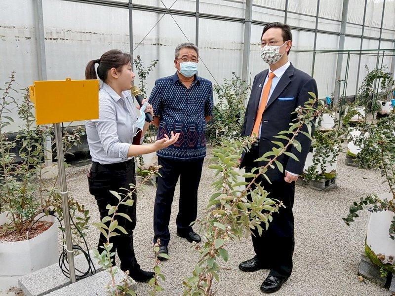參訪農科院 童振源:結合僑台商壯大台灣農業