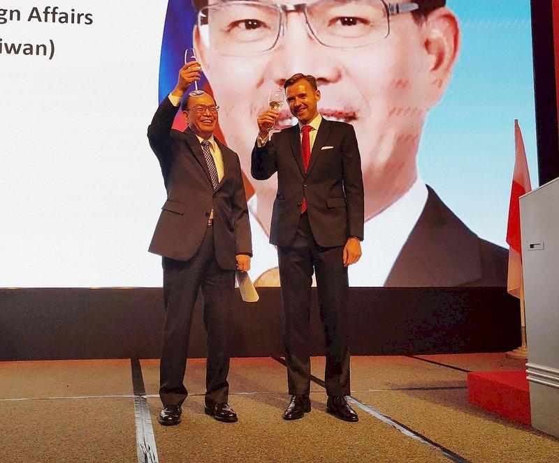 感念台灣捐口罩 波蘭駐台代處長:永不忘這份支持