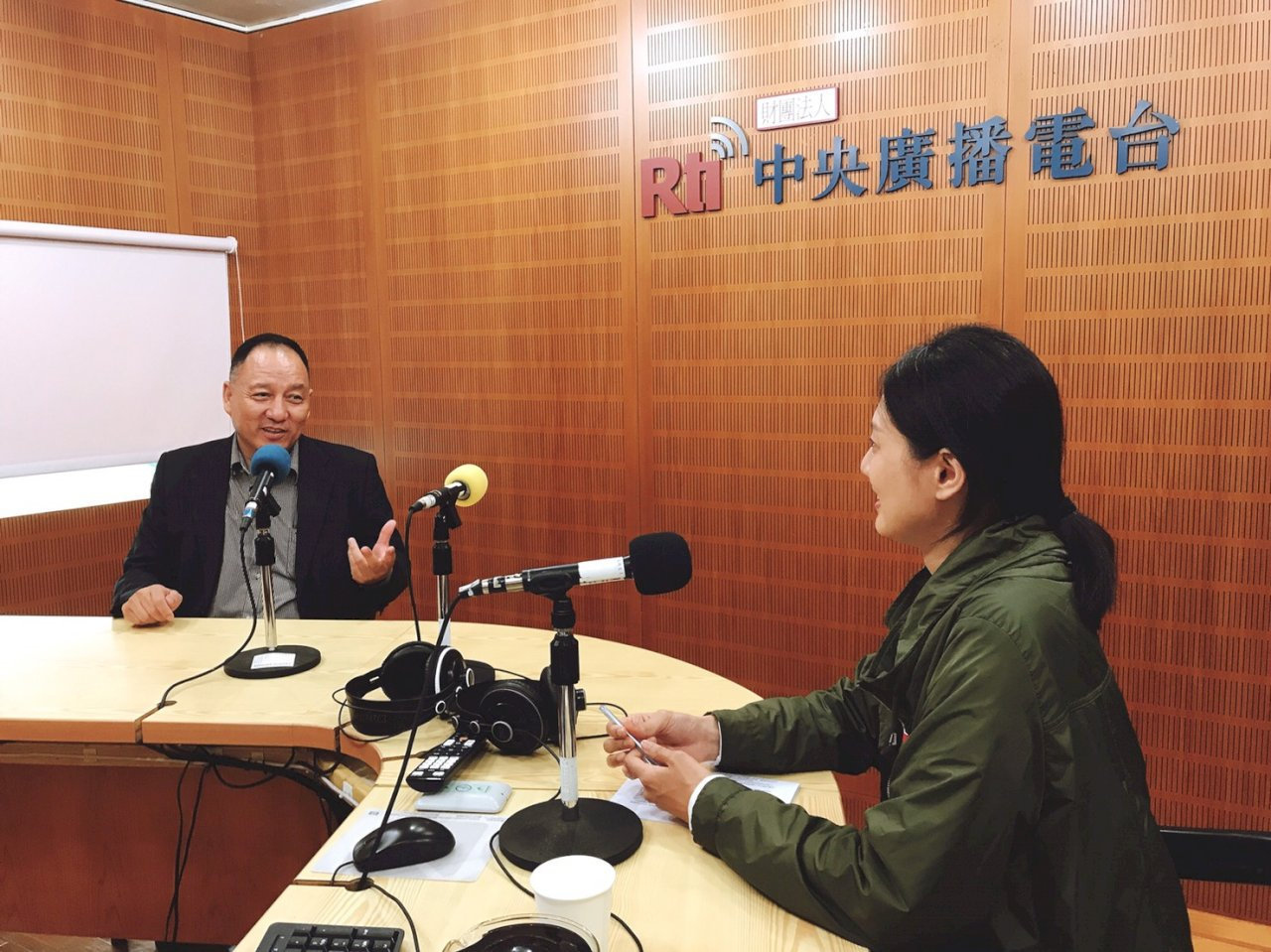 專訪達瓦才仁:我們與香港的共同敵人(下)