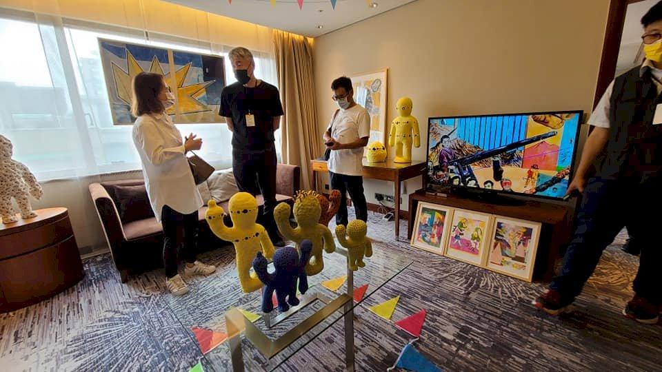 WHAAAAAT'S藝博會揭幕    搭上NFT數位加密藝術話題熱潮