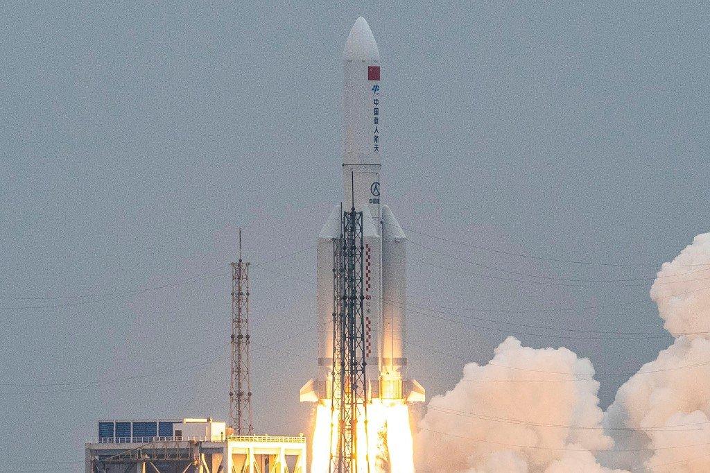 長征五號B火箭殘骸 墜落至印度洋