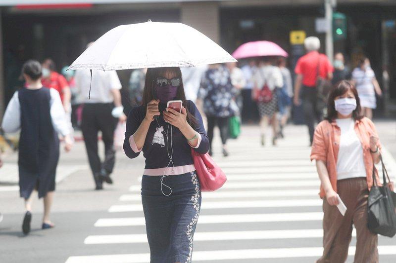 各地高溫上看34度 留意午後雷陣雨