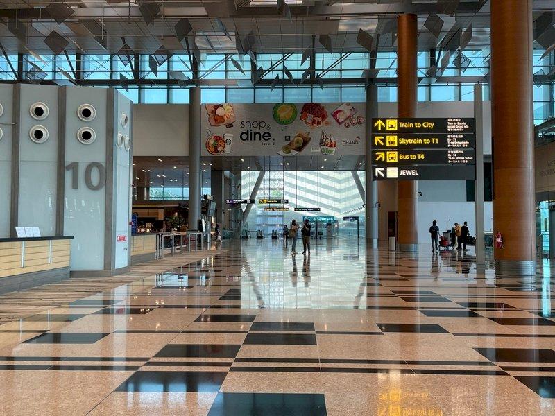 台灣疫情升溫  新加坡要求入境旅客隔離21天