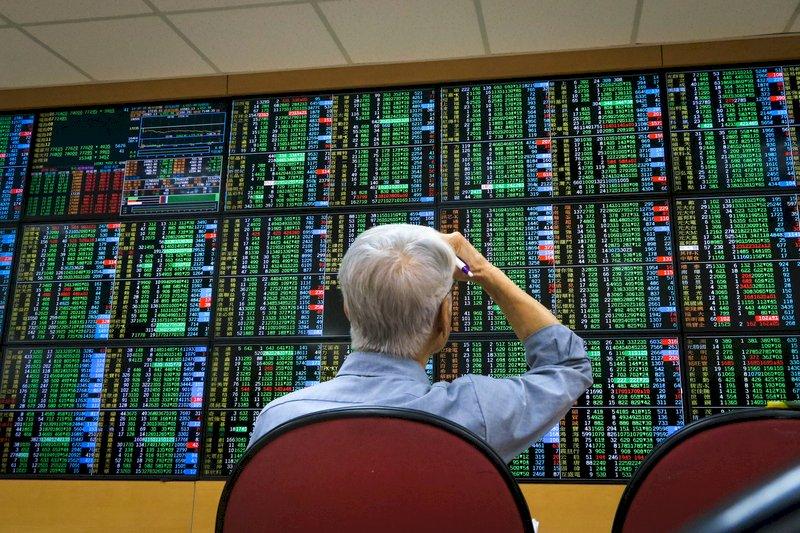 上沖下洗663點 台股跌232點萬六得而復失