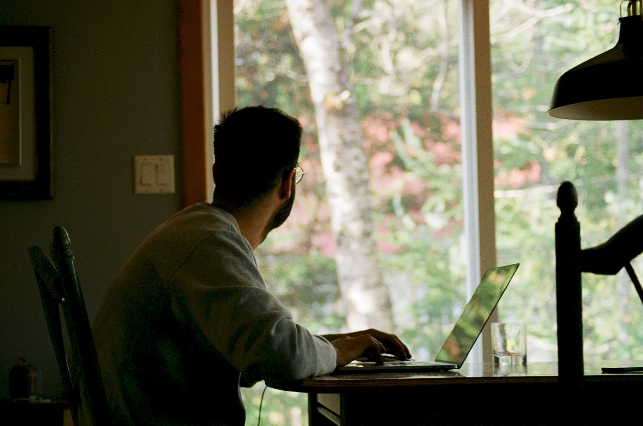 Google居家辦公者恐被減薪 長途通勤者受影響更甚