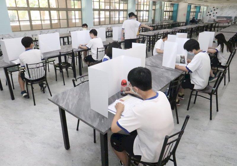 國中會考下午3時開放看考場  發燒不能入校