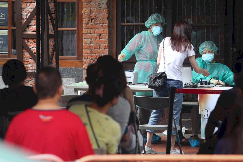 支援社區篩檢見人生百態 醫師讚:萬華居民很勇敢
