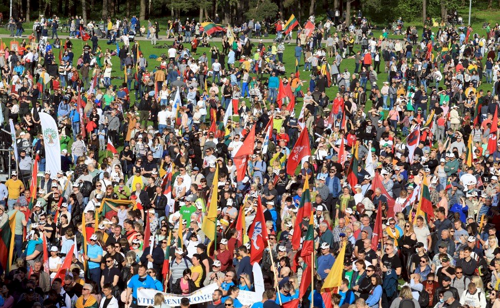 立陶宛萬人無視禁令示威 反對同性民事結合