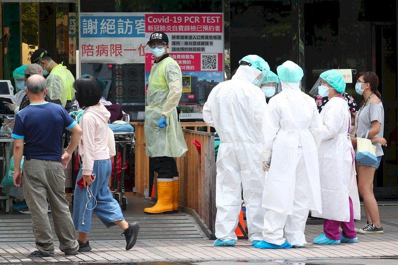 新增37死再創單日新高 19天212人染疫亡 發病到離世平均8.3天
