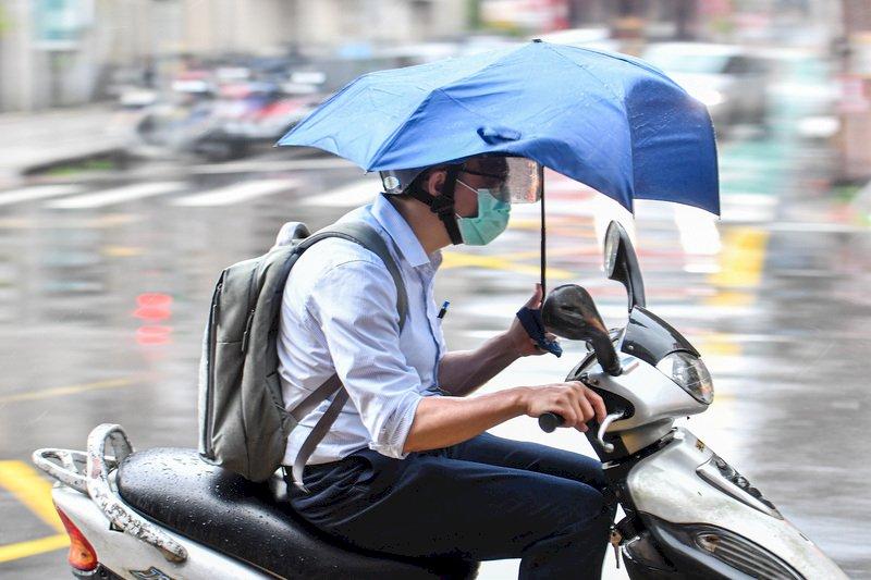 白天高溫炎熱南投﹑南部可達38度 午後局部雷陣雨