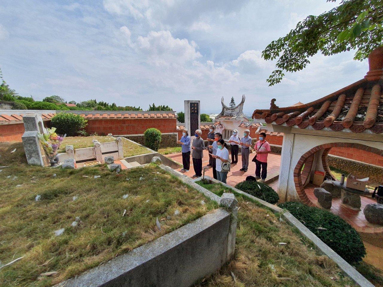 席德進逝世40週年  藝術家墓園修繕破土