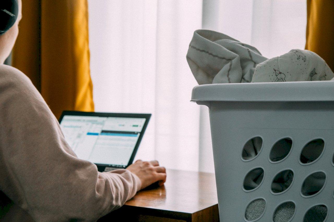 在家工作近1月 人力銀行調查:20%主管認為不被信任、工作壓力變大