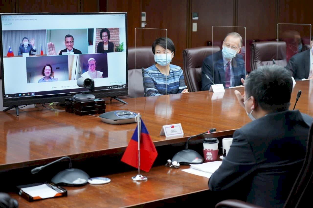 台美衛生部長視訊 蔡總統:美支持台灣取得疫苗