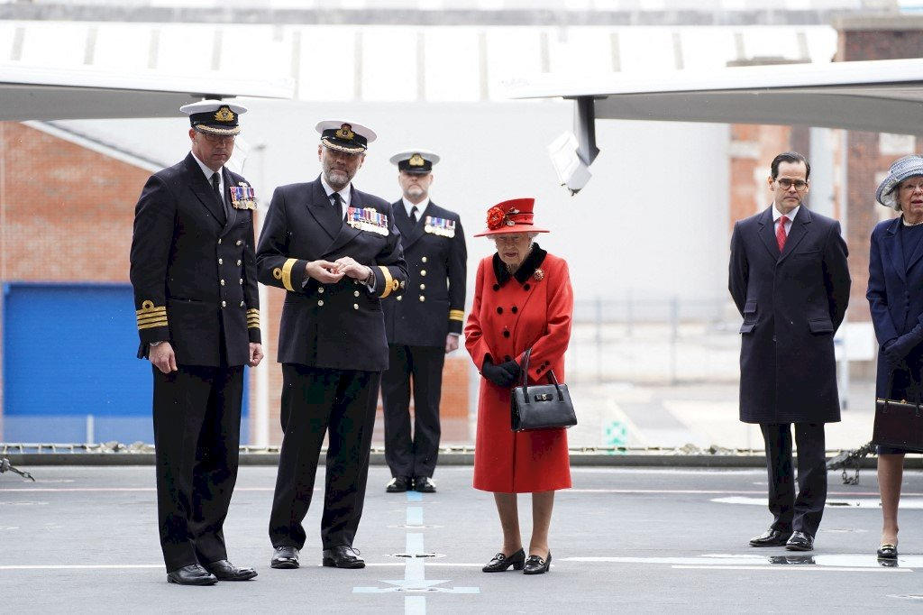 伊莉莎白女王號航艦將駛赴亞洲 英女王登艦視察