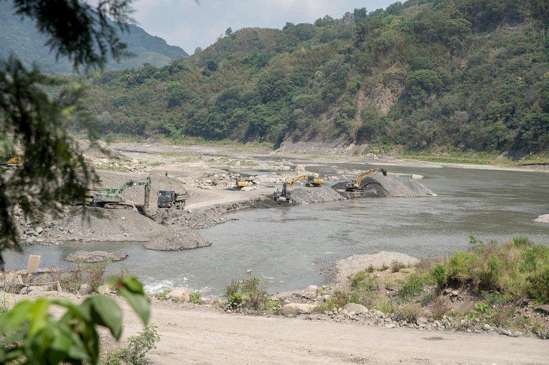 國軍投入全國清淤 石門水庫清出淤泥已超標