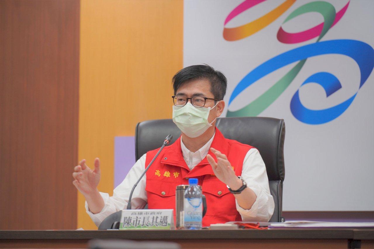 防疫三級警戒 陳其邁建議延長2週、高雄醫院看護全面快篩