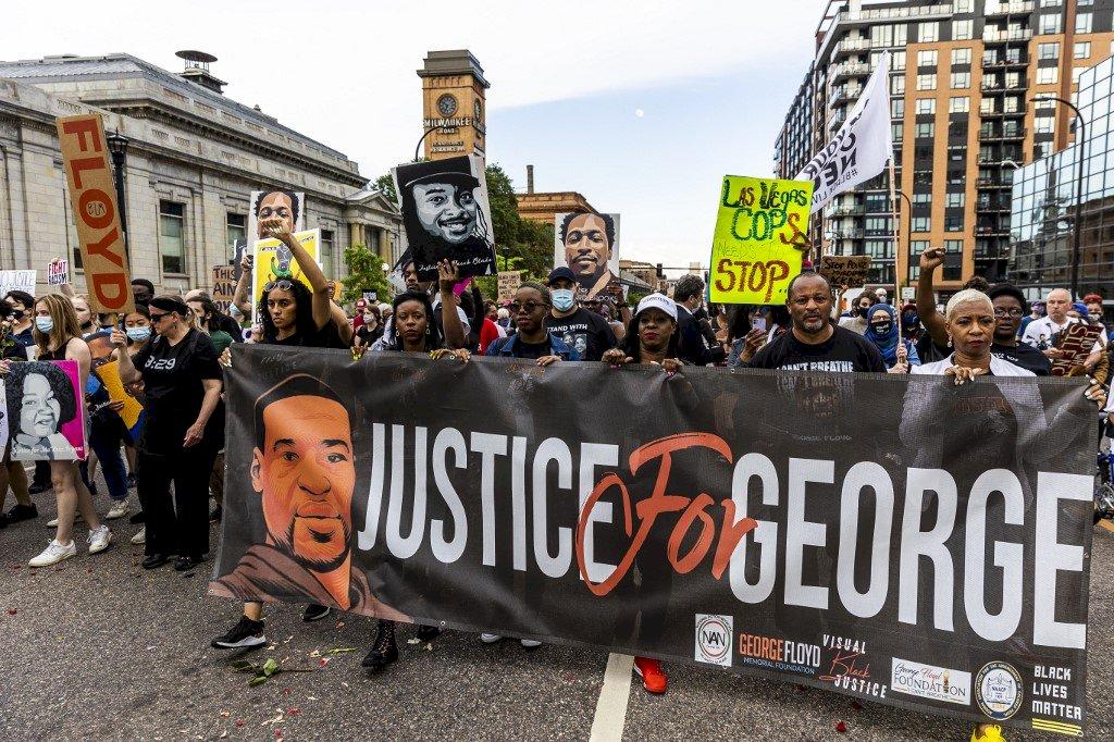 佛洛伊德遭壓頸致死案將滿週年 街頭示威再起