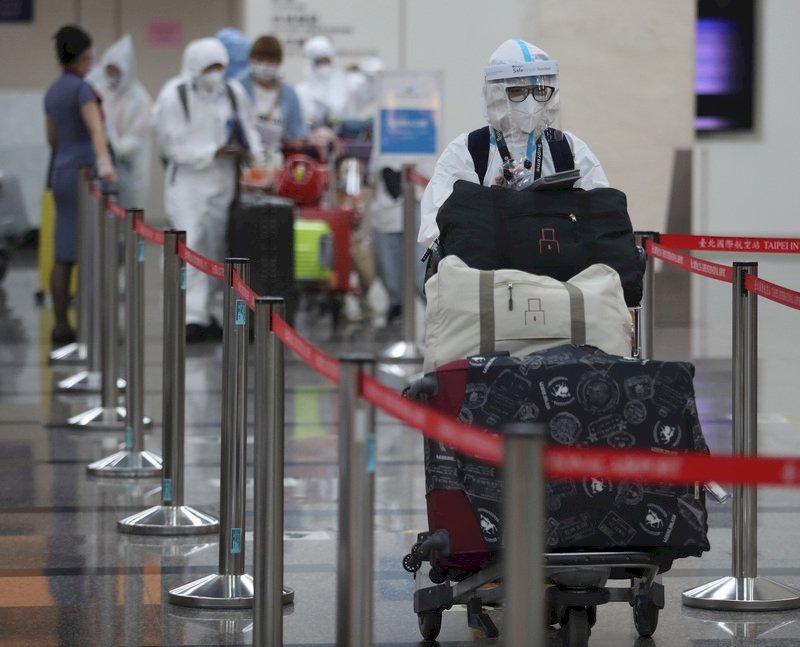 機場湧現逃難潮? 林國顯:國內線大跌9成、國際線回溫5成
