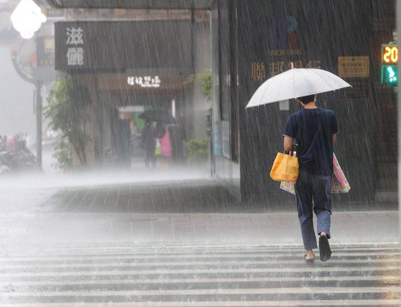18縣市豪雨大雨特報 各地有雨持續至31日上半天
