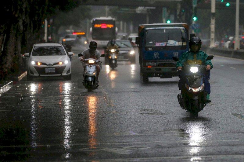 梅雨鋒面持續影響  留意短時強降雨