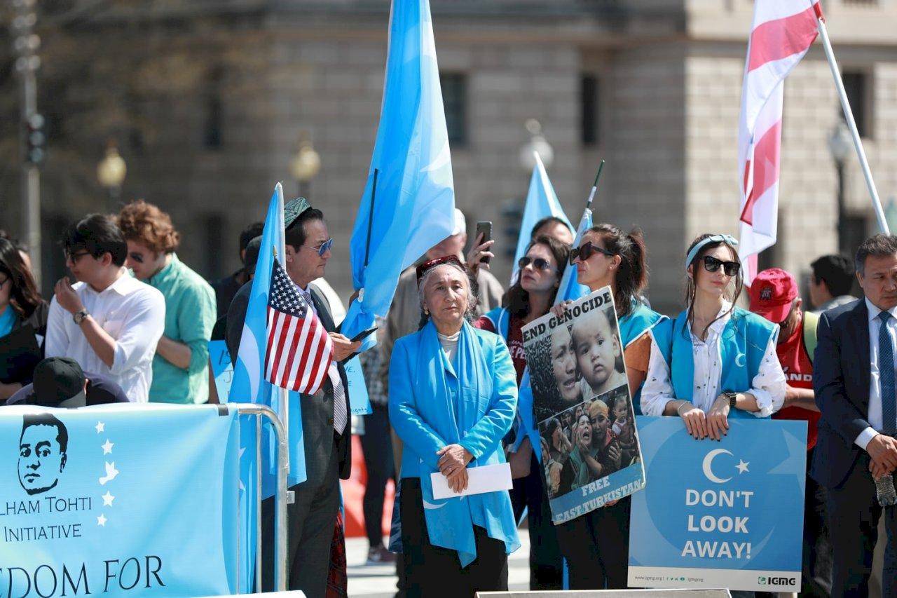這是一場已經延續70年的滅絕!中共壓制維吾爾人的主要政策和法規