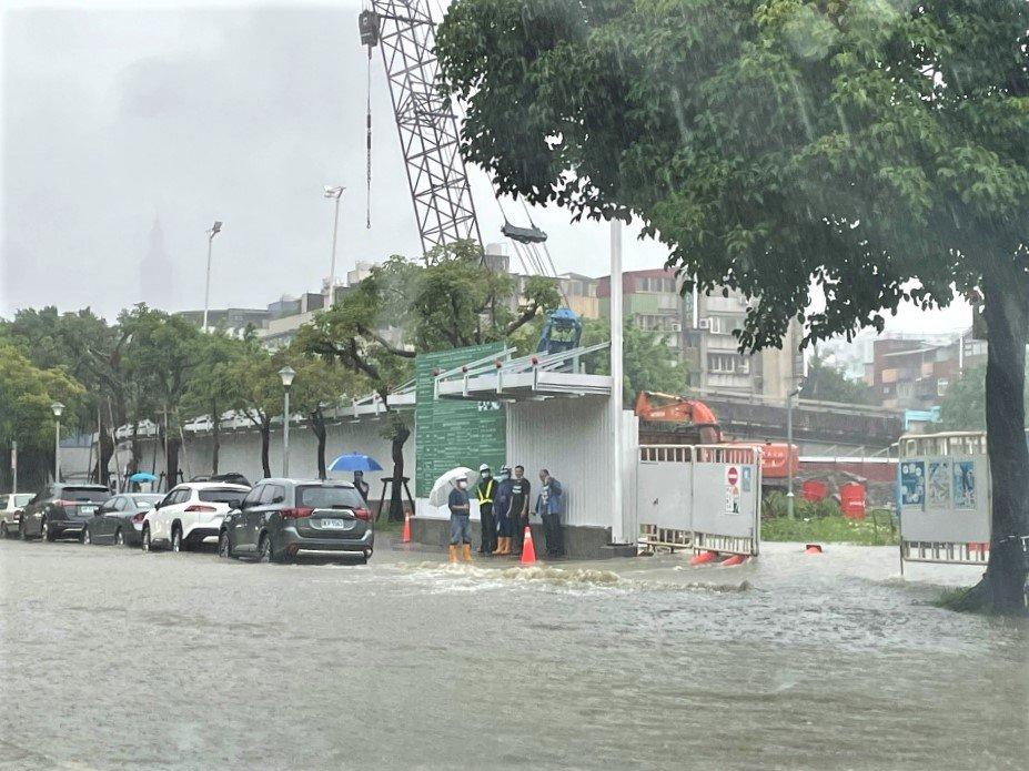 北市3小時累積雨量史上第五 多處傳積淹水